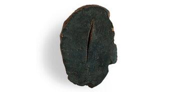 Pieza de cerámica de Lucio Fontana