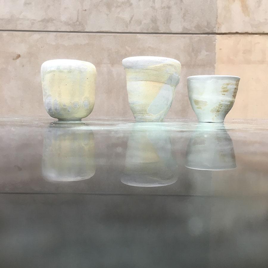 Piezas de cerámica en cocción de soda