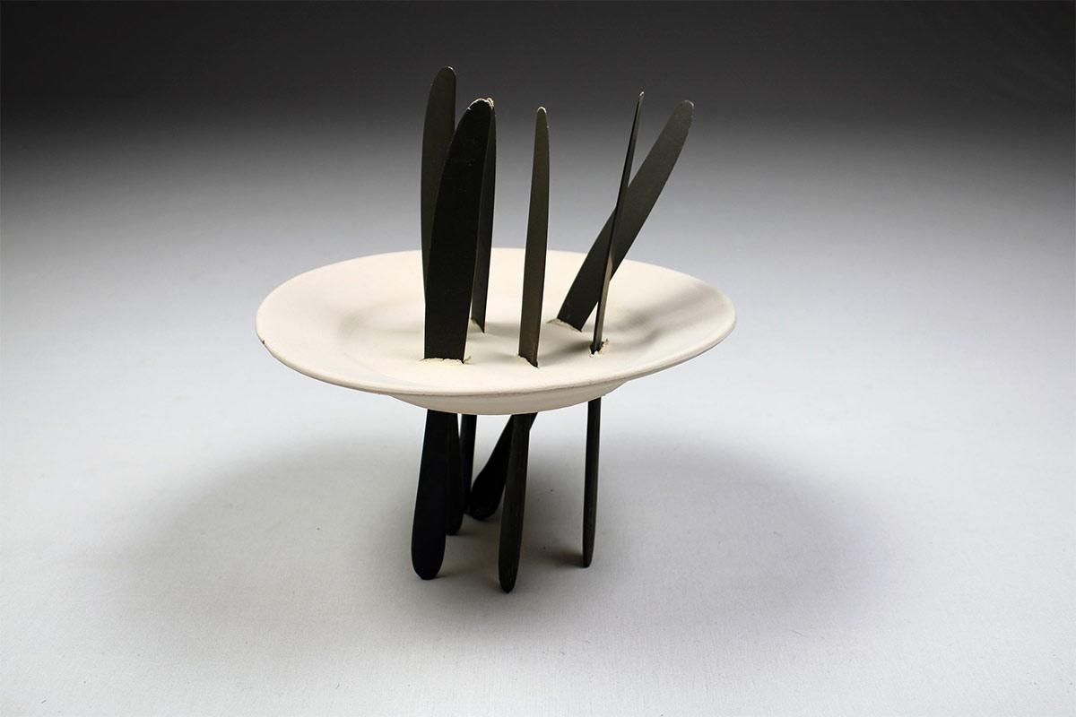 Pieza de cerámica de Loredana Longo