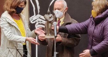 """Joan Panisello recibiendo el premio """"Grifonet"""""""