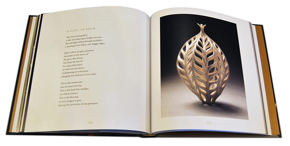 Páginas interiores del libro The Ceramics Studio Guide