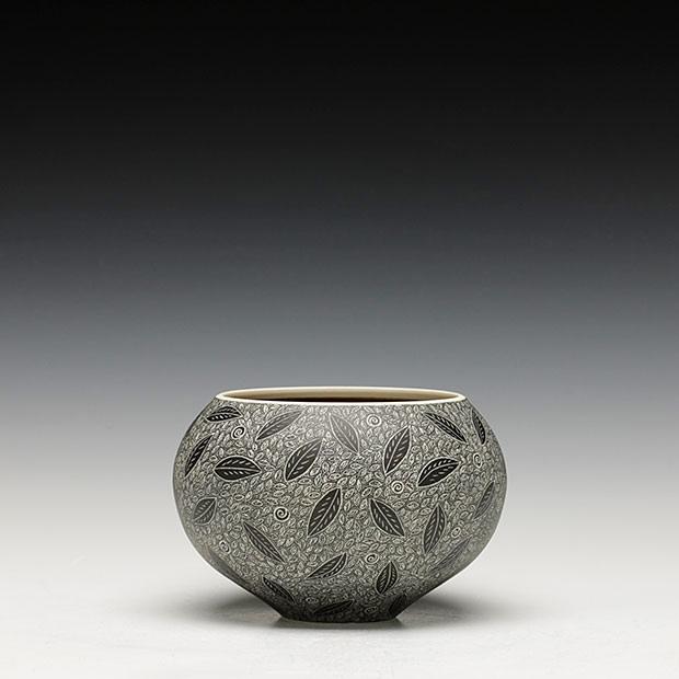Pieza de cerámica de Becky Lloyd