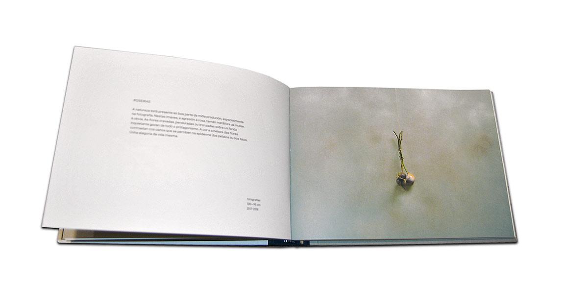 Páginas interiores del libro Caxigueiro. A métrica do ilusionismo