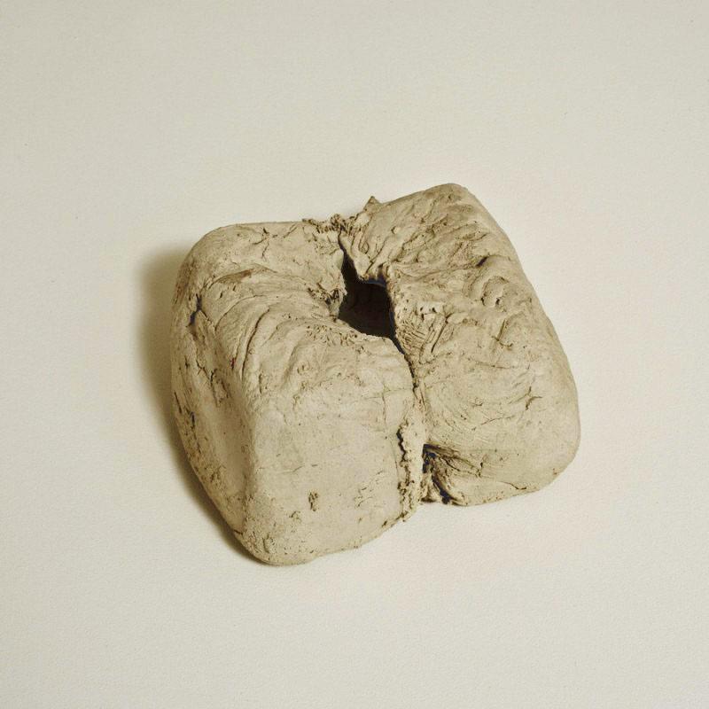 Escultura cerámica de Hannah Wilke